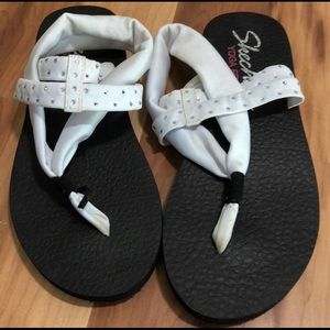 Sketchers Yoga Foam Sandals White Sparkle 6